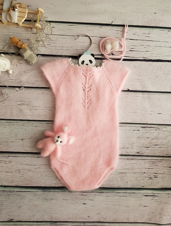 Body with drop neckline and pattern for  Kids