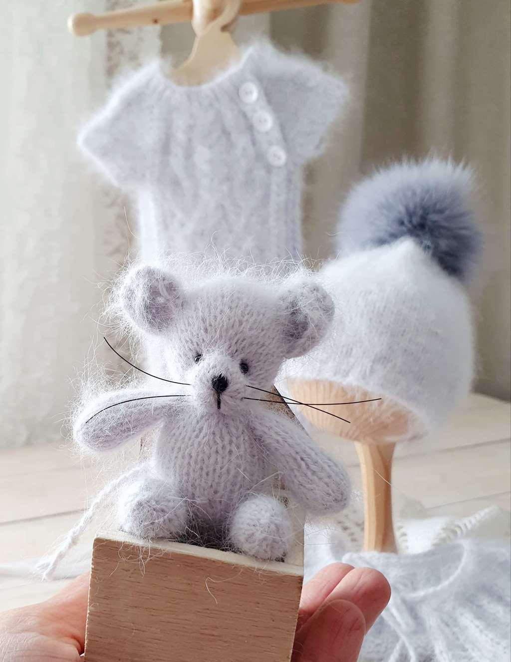 Plush toy sitting Mouse 10cm