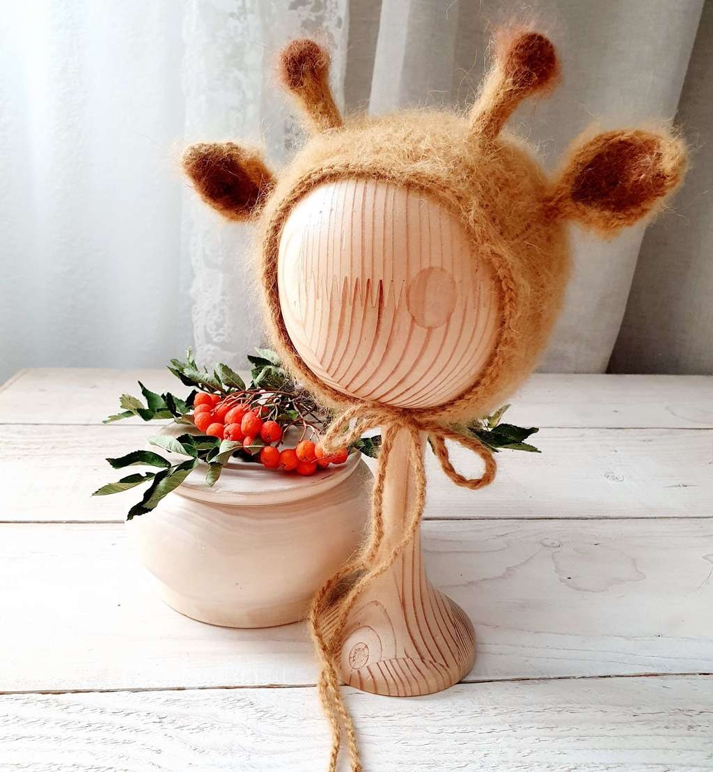 Hat Giraffe with cord