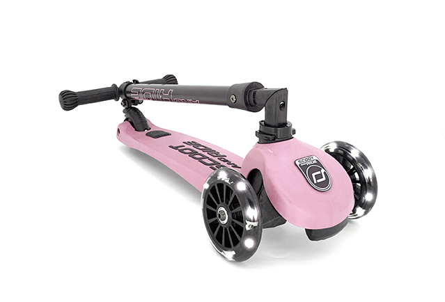 ROSE SCOOTER LED 3-6 YEARS