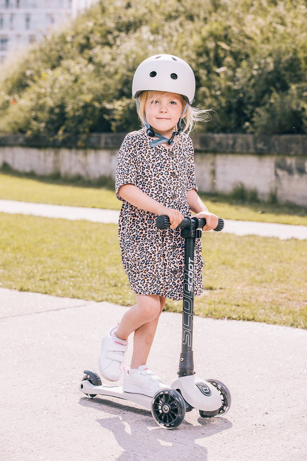 ASH SCOOTER LED 3-6 YEARS