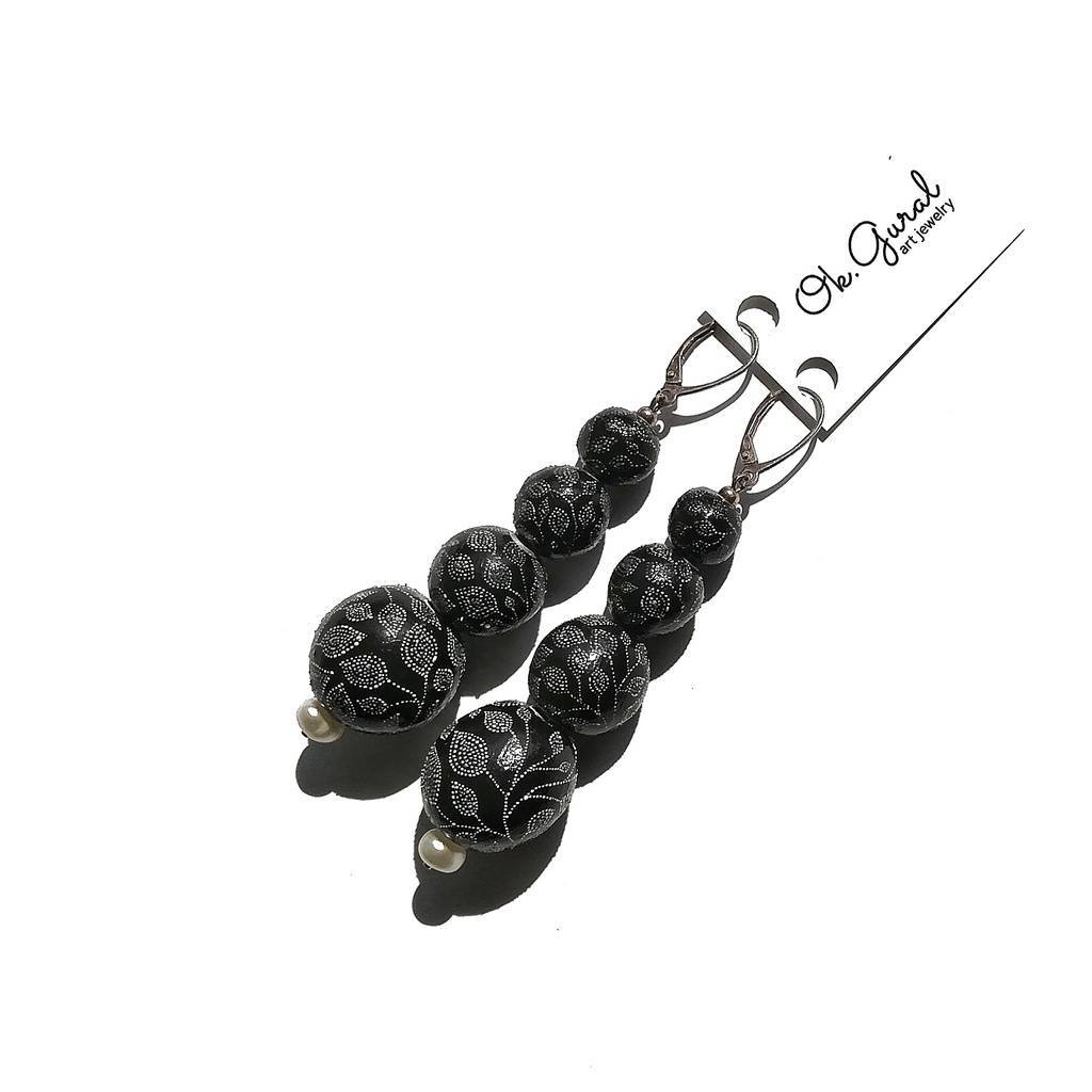Pearl and 4 beads 10-20mm-drop earrings. GARDEN. BLACK CURRANT