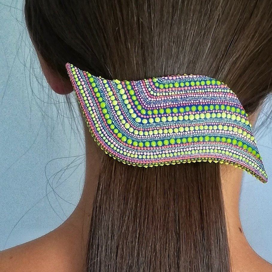 Waved hair jewelry clip. LINE. FLUORESCENT