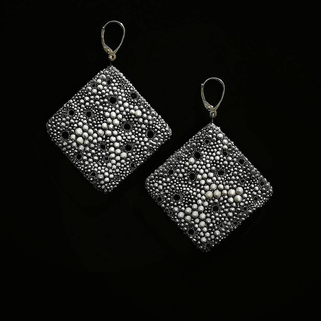 Big rhombus dangle earrings. REEFS. SILVER .