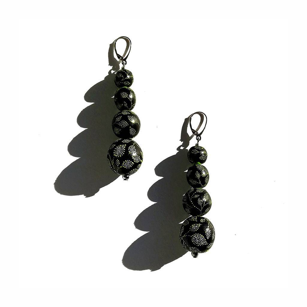 4 beads 10-20mm-drop earrings. GARDEN. GREEN