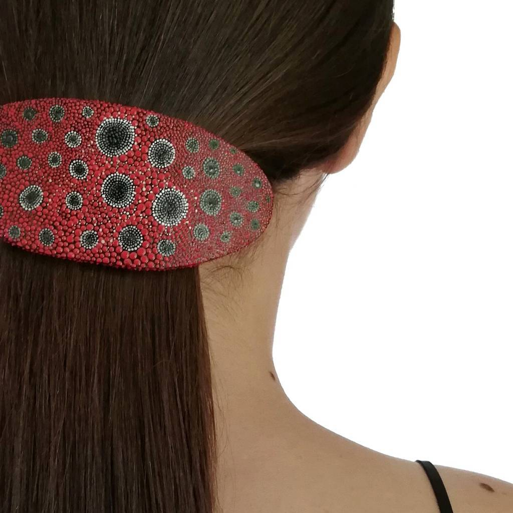 Oval shaped hair jewelry clip. DOT. RED
