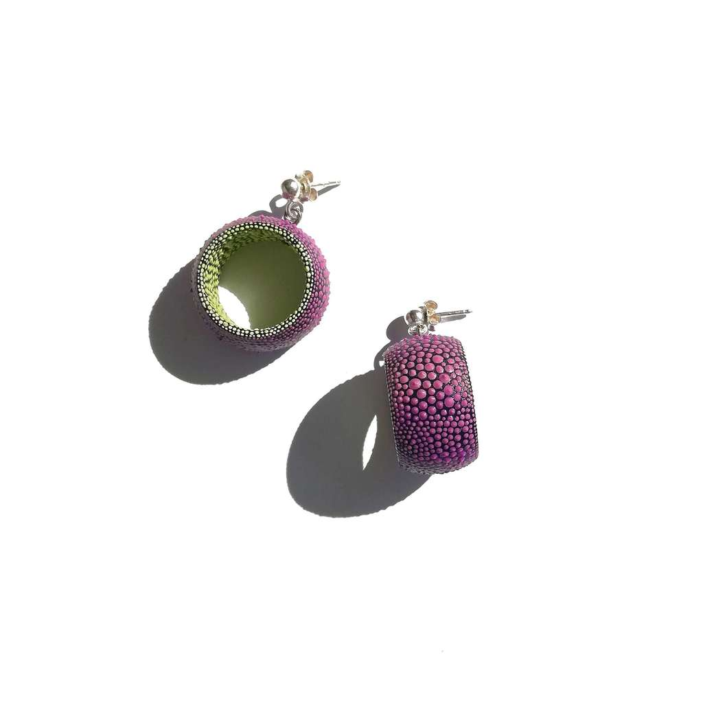Dangle tunnels earrings. COLORFUL. VIOLET AND YELLOW