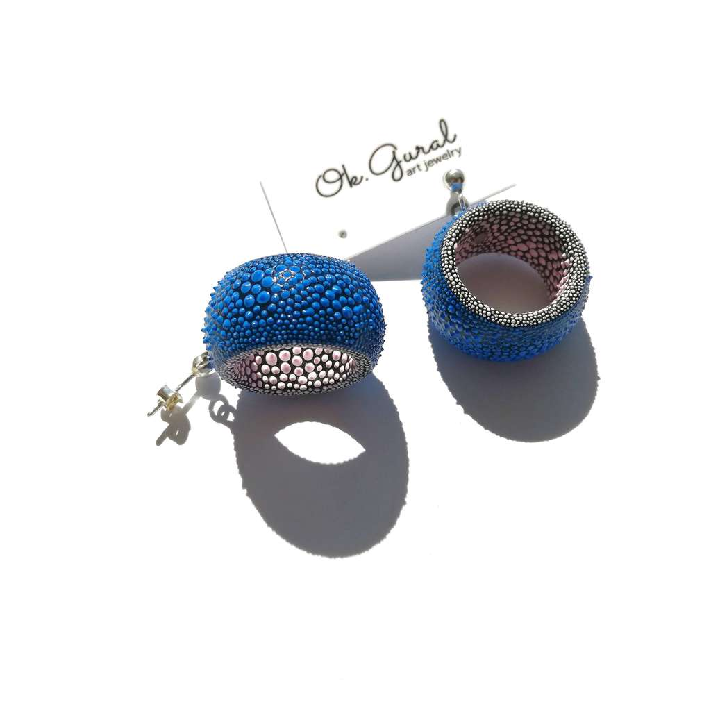 Dangle tunnels earrings. COLORFUL. BLUE AND PINK