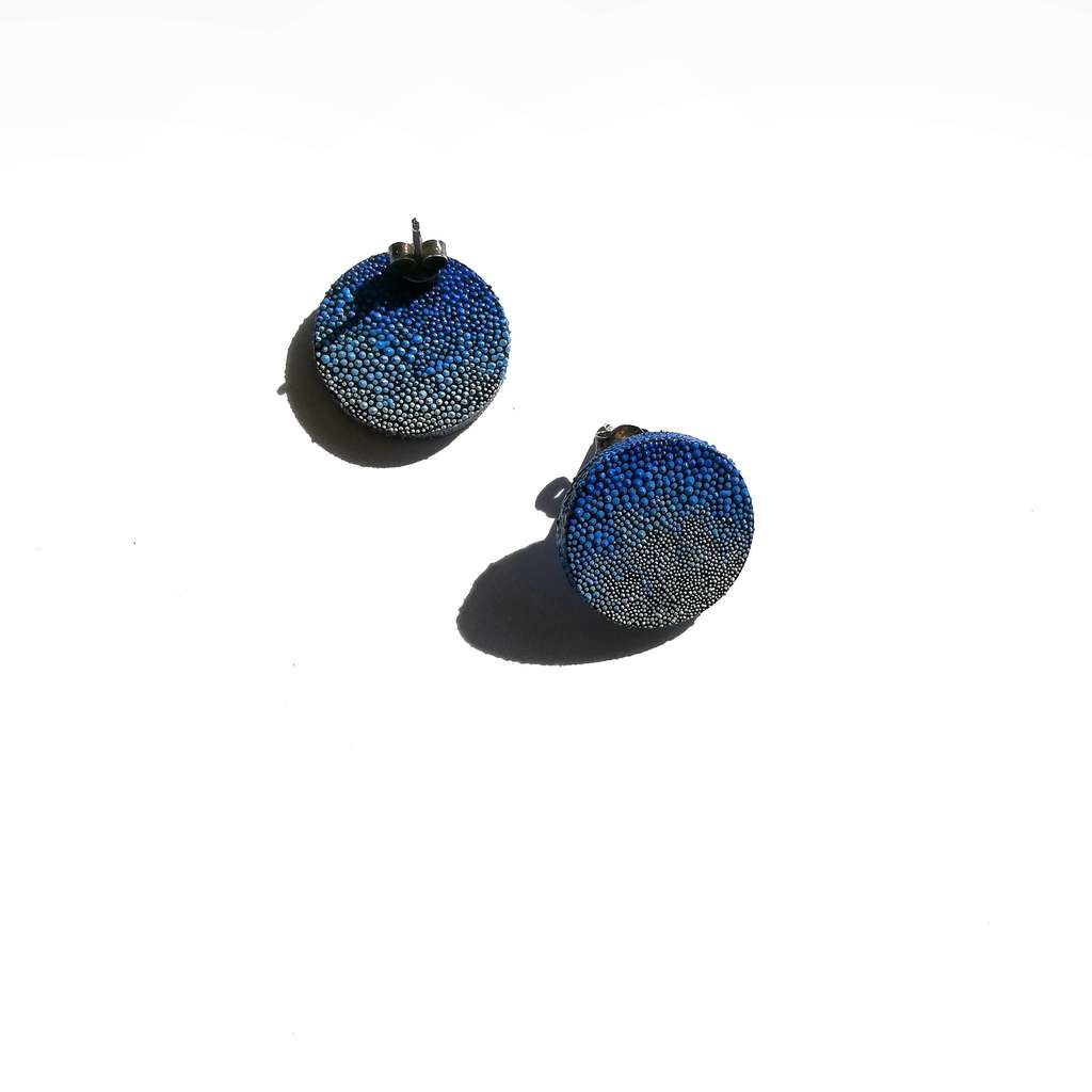 Small circle stud earrings. GRADIENT. BLUE