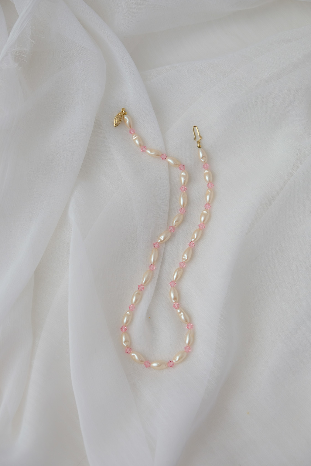 Pink beads & pearls chocker