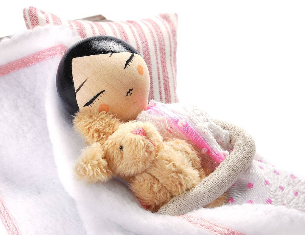 SLEEPING SET (without doll)