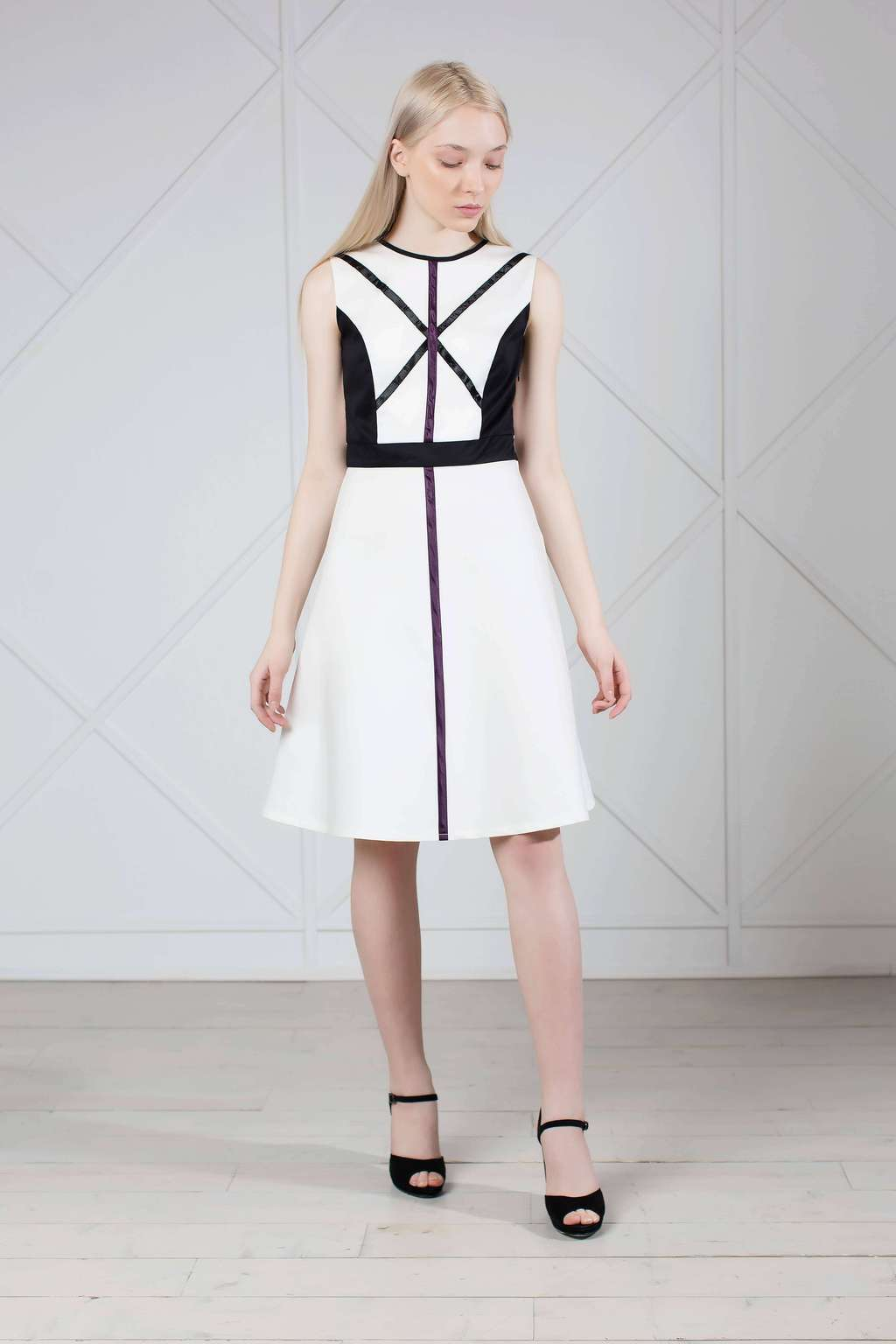 White sleeveless graphic cotton dress