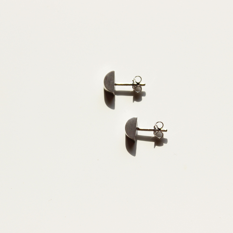 Half-disk small earring