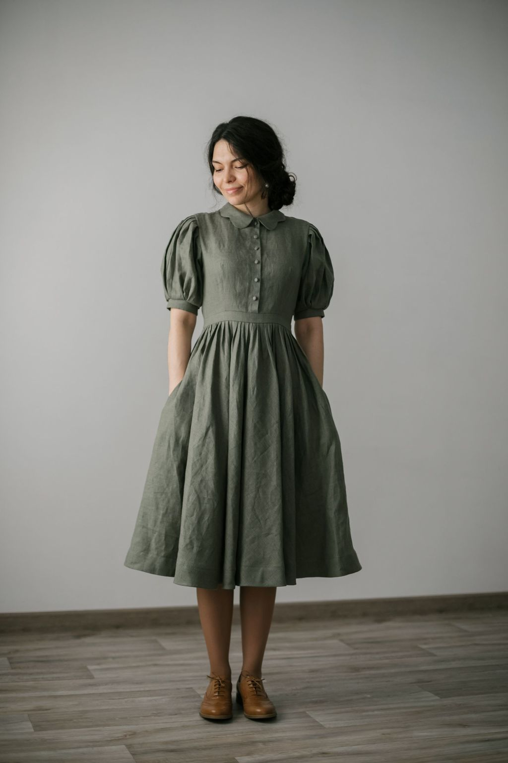 Beth dress with short sleeves
