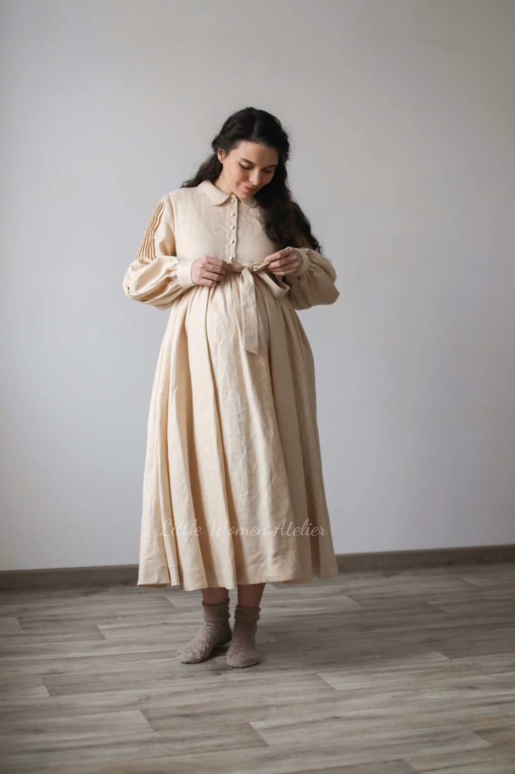 Beth Dress Pregnancy friendly with long sleeves