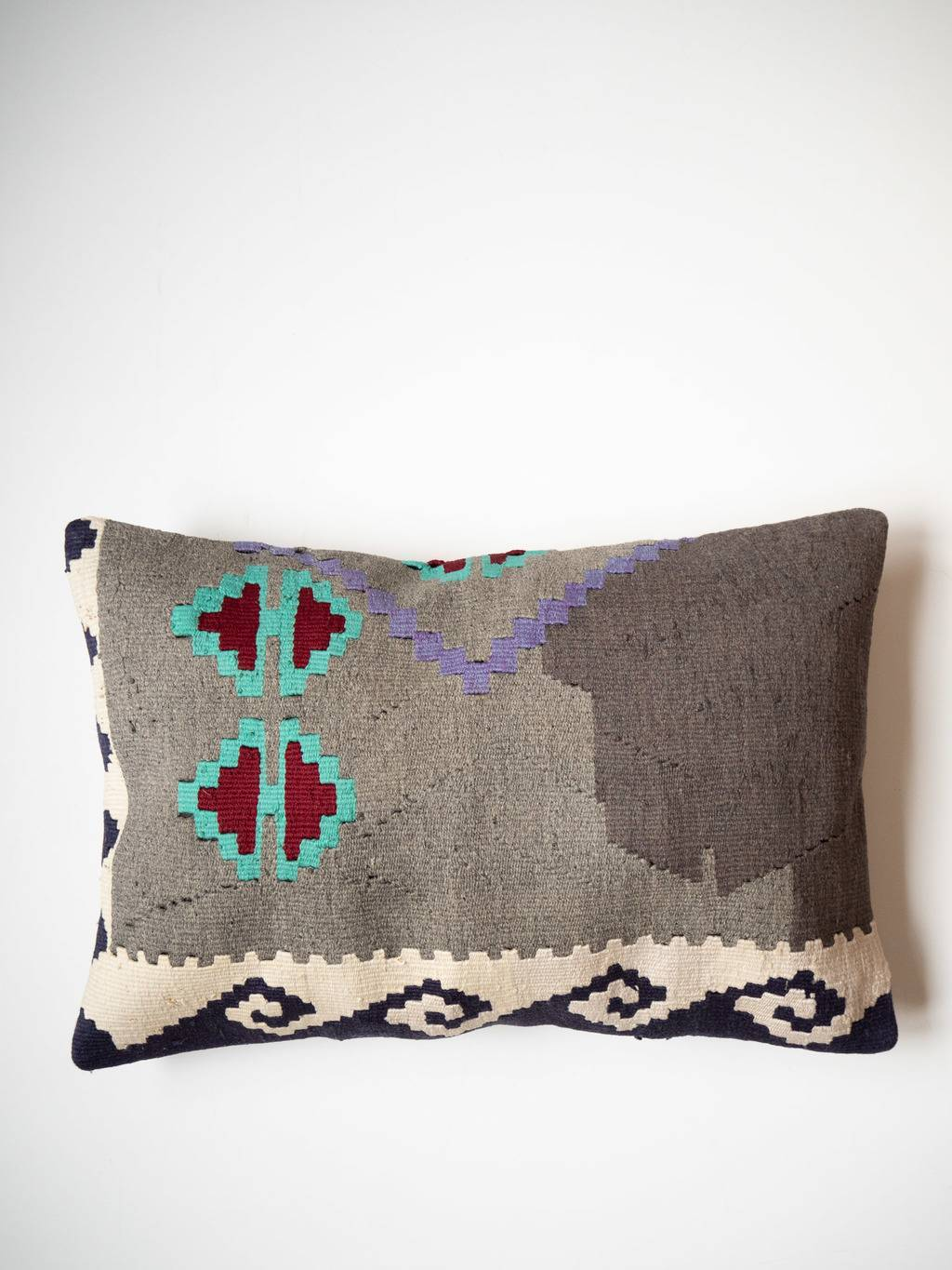 Kilim cushion Tefe