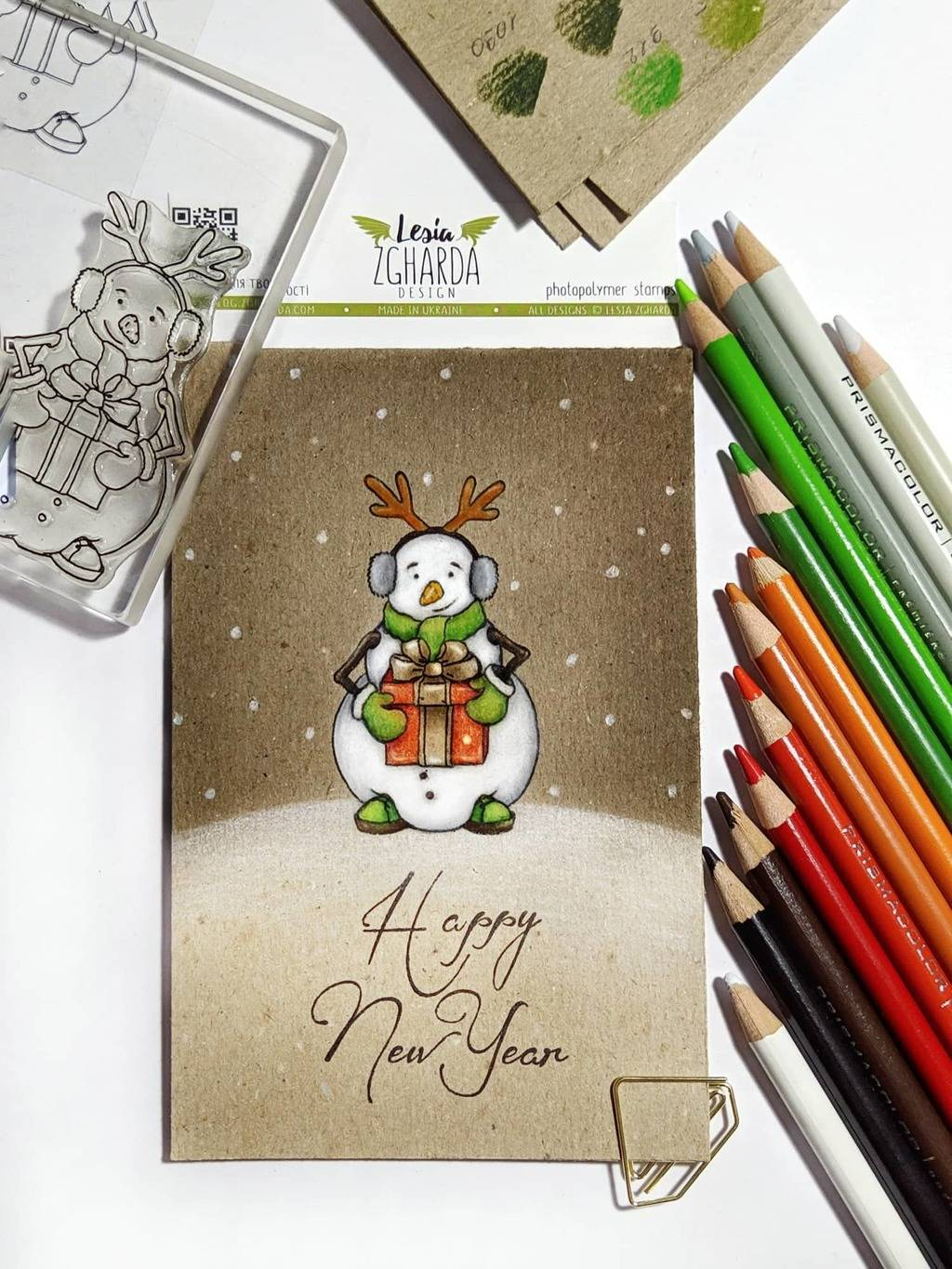 Happy New Year with a snowman card! | Lesia Zgharda clear stamps. Funny snowman with a gift stamp will give a festive mood and joy to your holiday cards.
