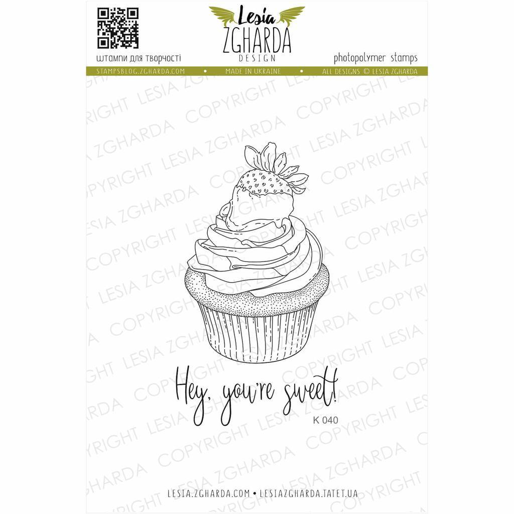 Strawberry сupcake with sentiments stamp set | Lesia Zgharda Stamps