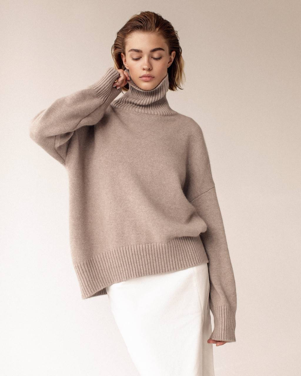 Oversize extra soft 100% cashmere sweater - 460 USD / 390 EUR