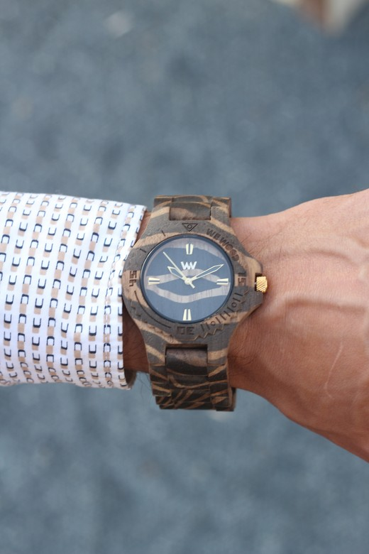 WeWood Date Nature Zebra Nut