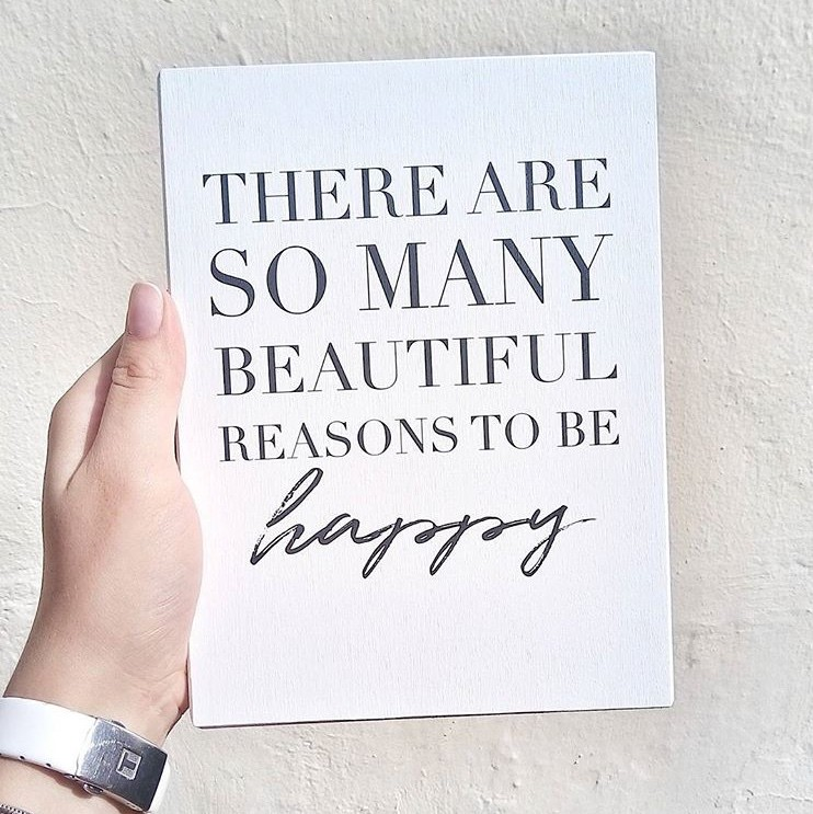 There so many reasons to be happy на дереве